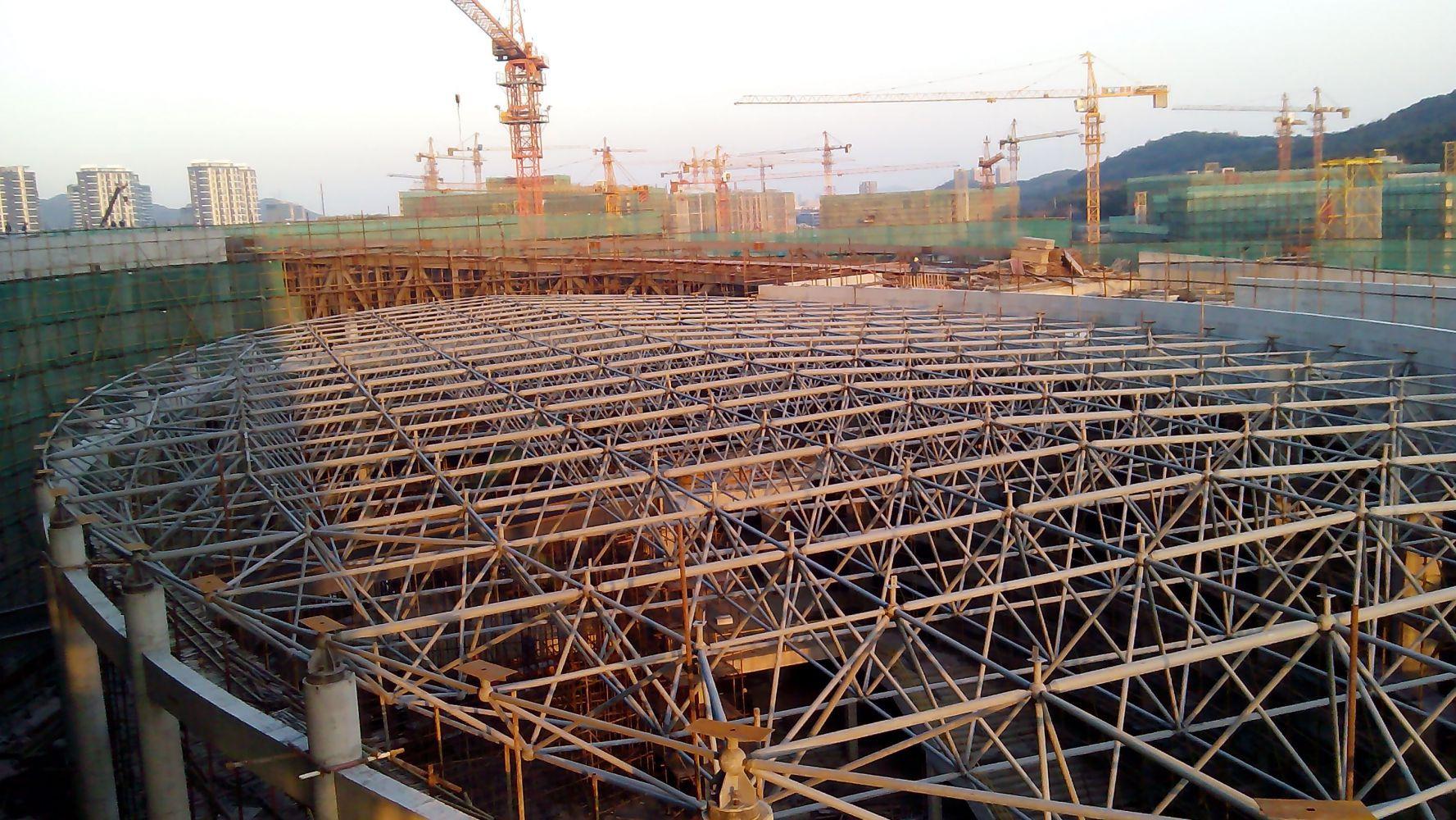 馆连廊及网架结构安装